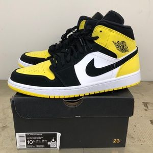 Nike Air Jordan 1 Mid SE Yellow Toe Black